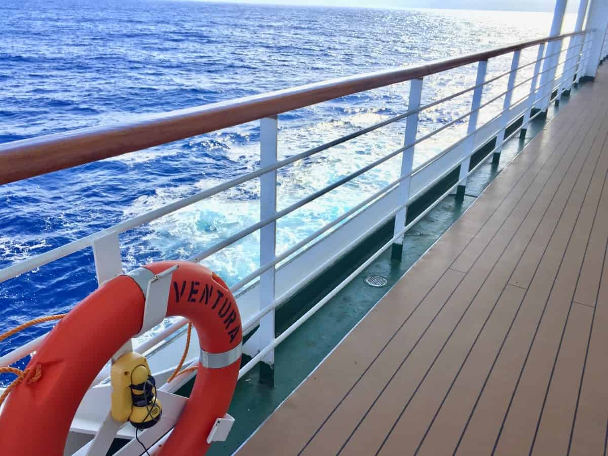 Prom deck - Cruise Experiences