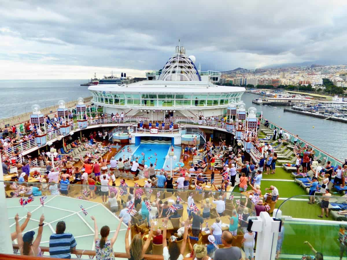 Sailaway parties - Cruise Experiences