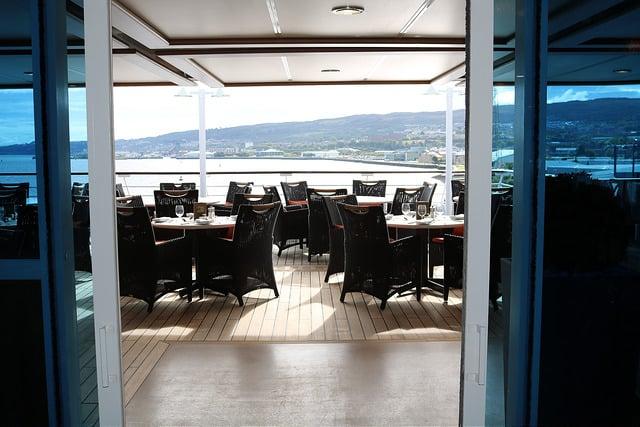 Oceania Buffet Outdoor Dining