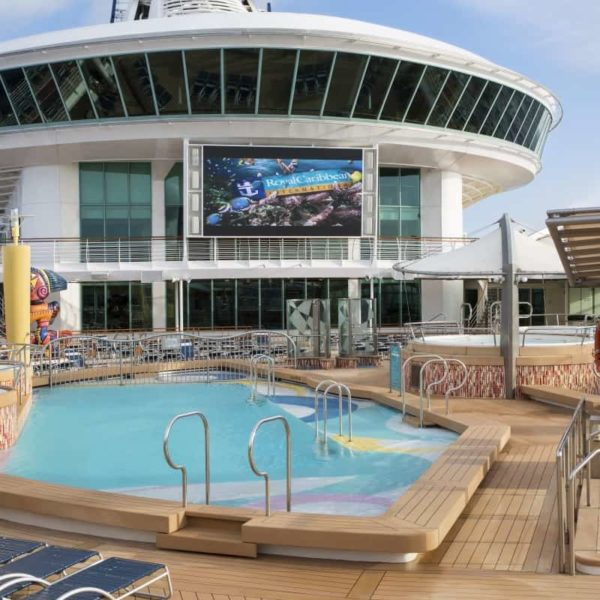 Outdoor movie screen Royal Caribbean Navigator of the Seas, kids travel for free