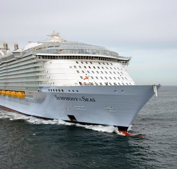 Video Tour of the Symphony of the Seas and Top Ten Tips For Cruising With Teens
