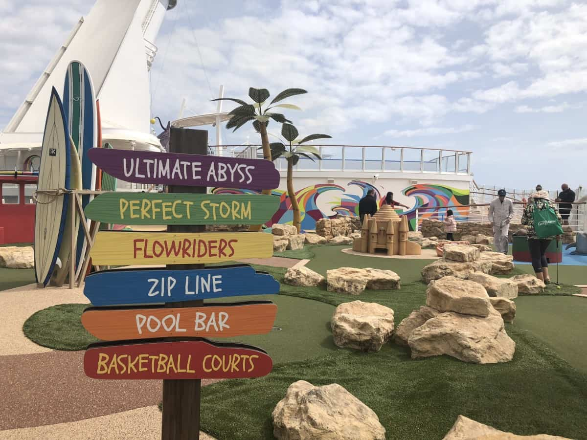 Symphony of the seas Crazy Golf signs