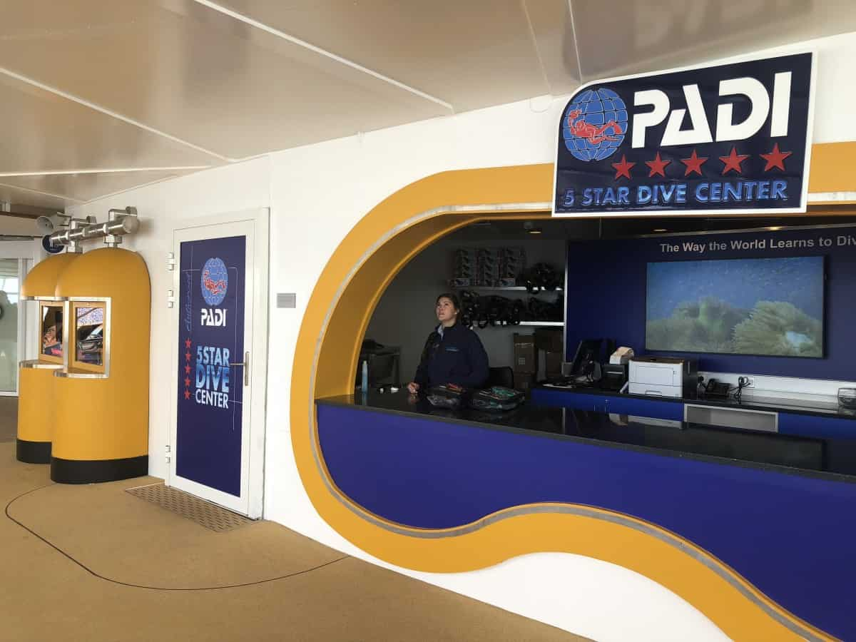 Symphony of the Seas 5 star PADI certified Dive school