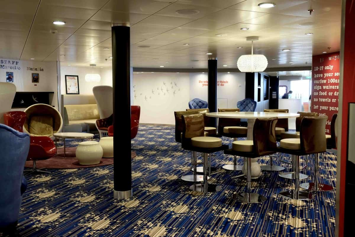 Symphony of the Seas Teens Fuel Living room