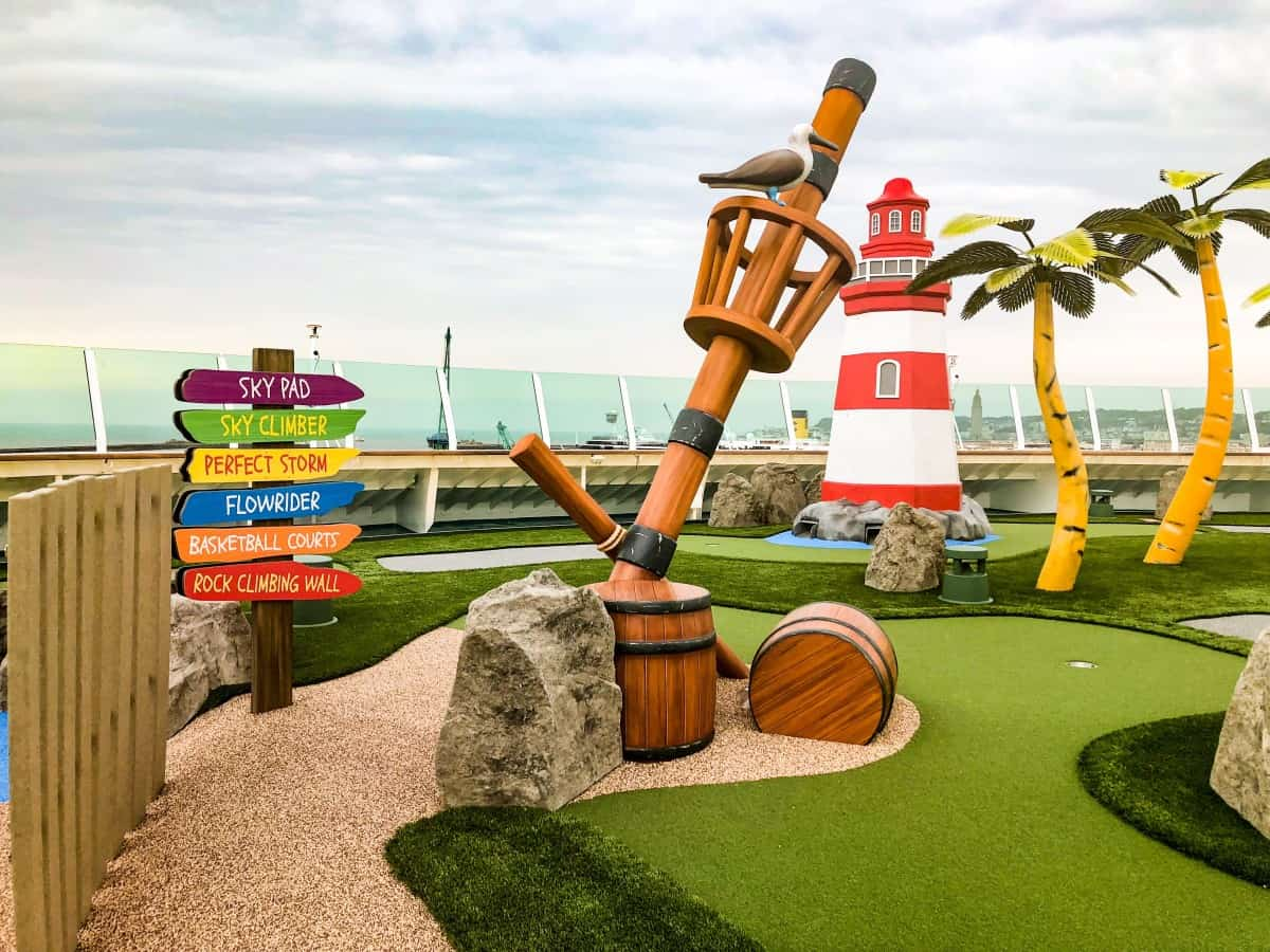 Crazy Golf on Independence of the seas.