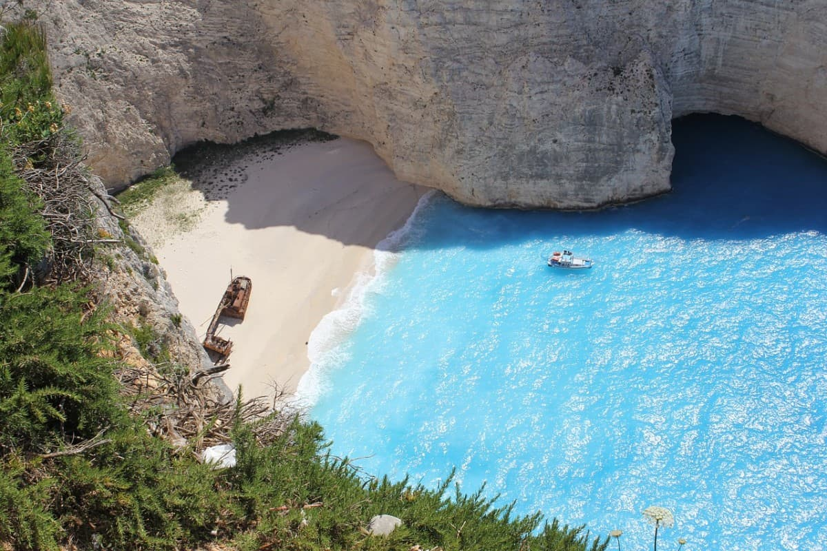 Zakynthos beach - Sailing Holidays Greece
