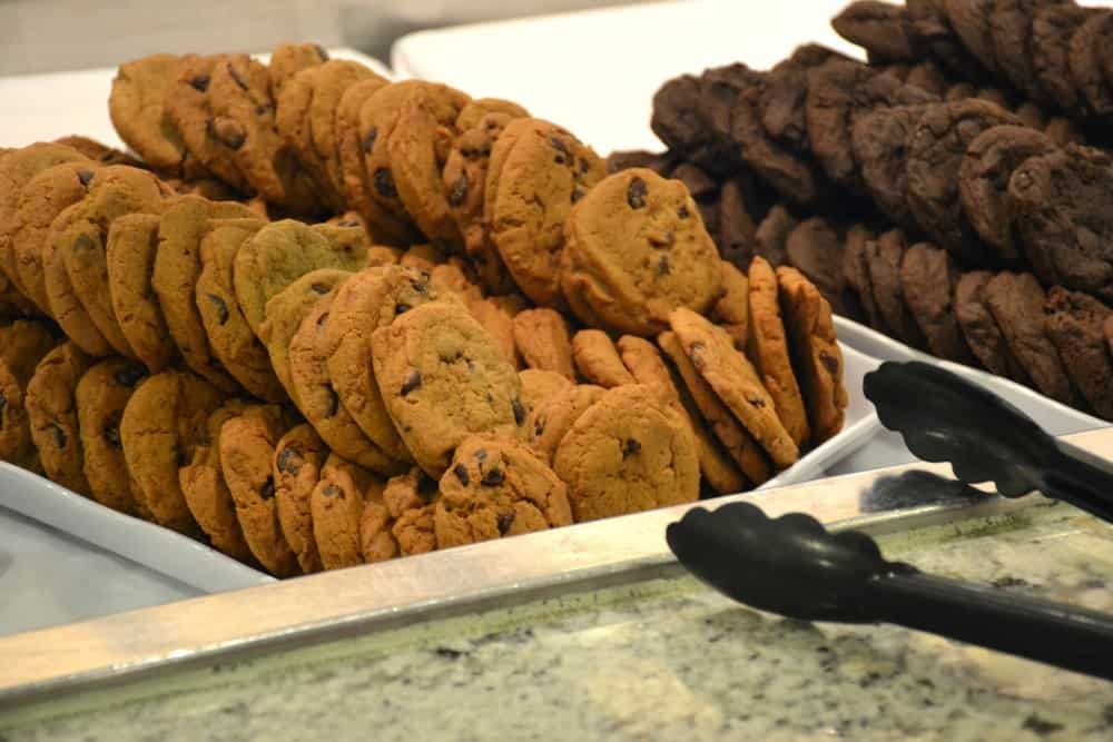 Cookies in Horizon Court Buffet Royal Princess - cruise ship for families