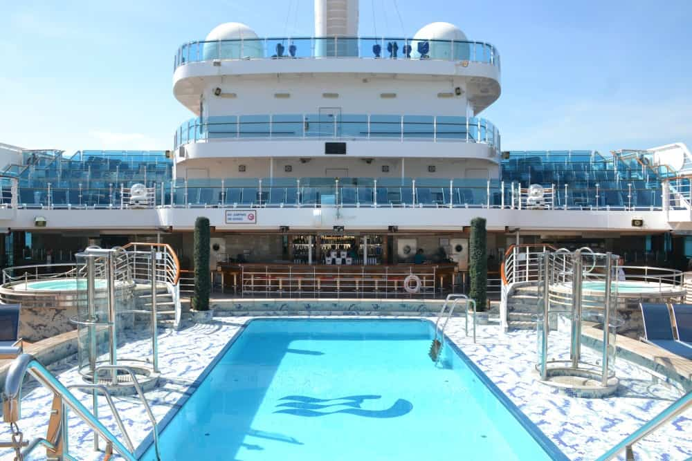 Fountain Pool Royal Princess - cruise ship for families
