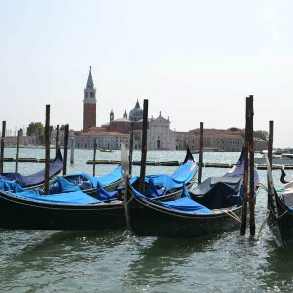 Gondolas - Port Guide: Venice with kids