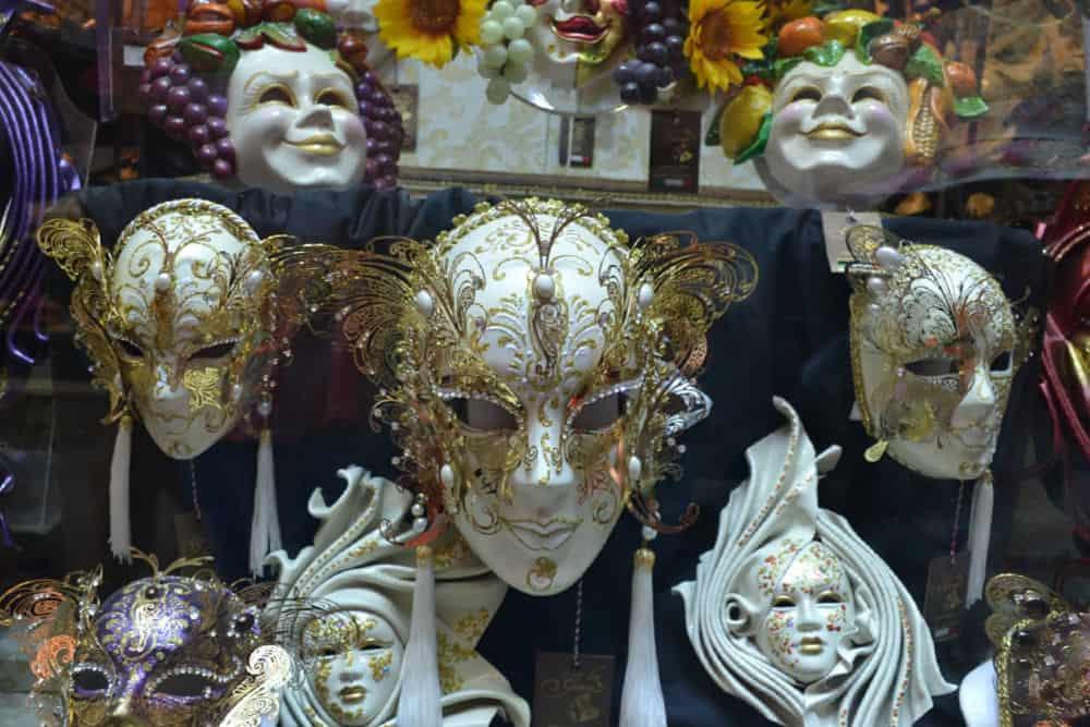 Venetian masks - Port Guide: Venice with kids