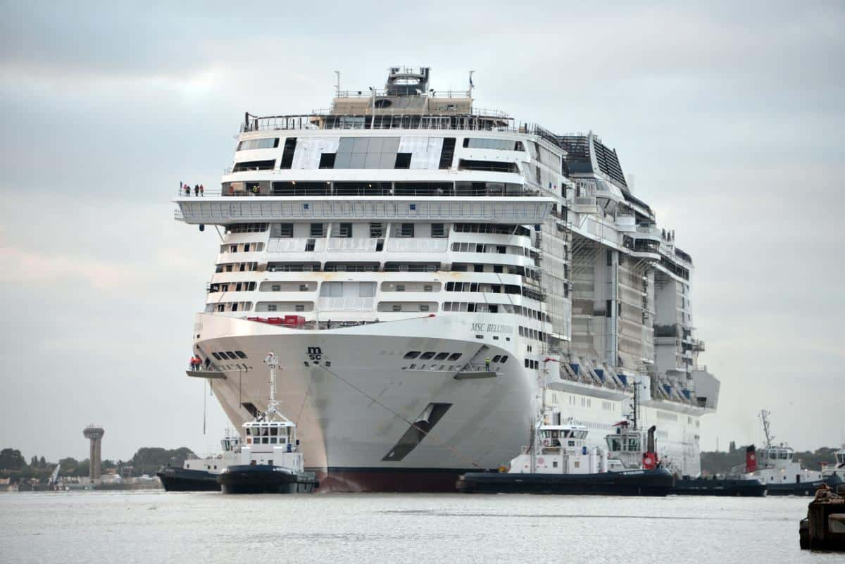 MSC Bellissima is floated out and moved to the new dock