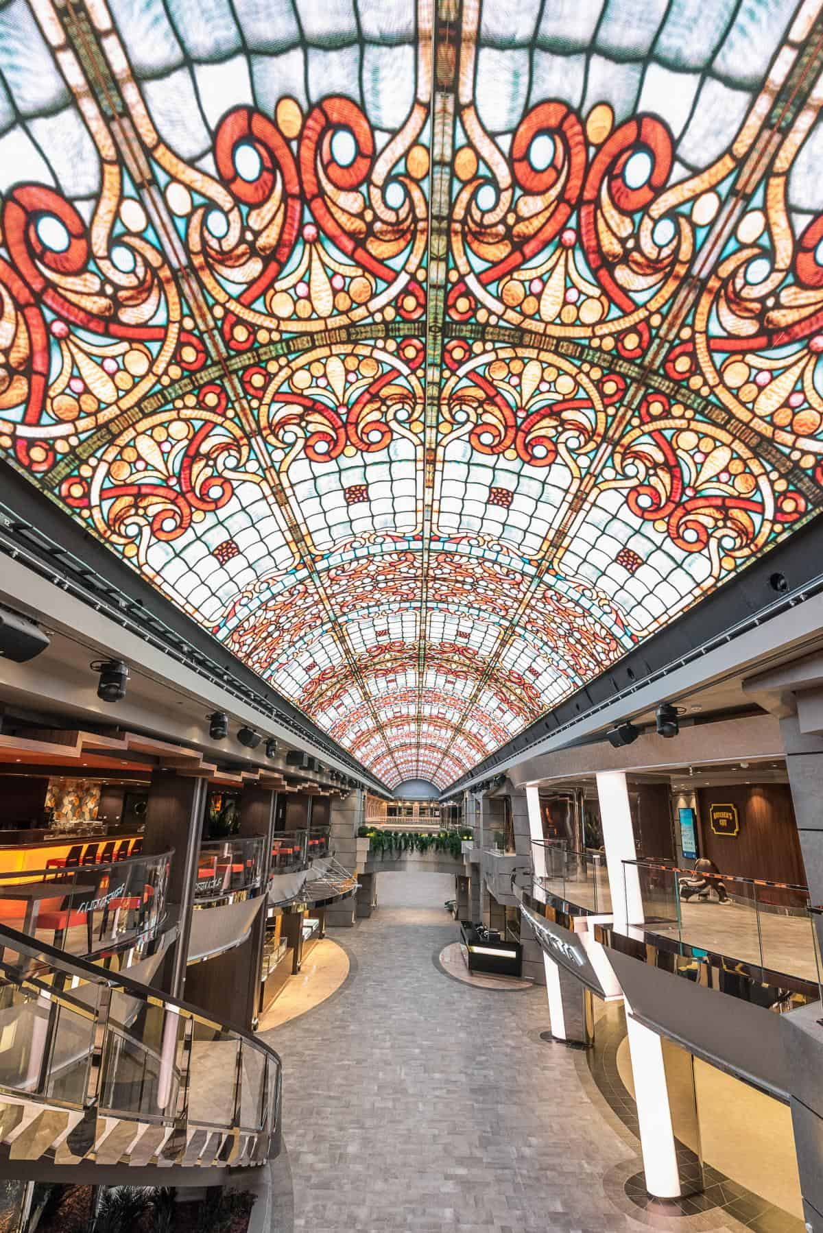 The MSC Bellissimo will  feature an iconic Mediterranean-style promenade with an 80-metre LED screen. The shopping gallery with over 200 brands