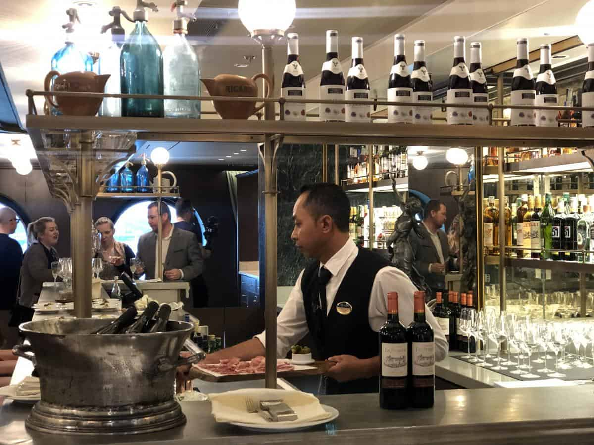 L'Atelier Bistrot is a new concept with a selection of cheese can't charcuterie as well as traditional French dishes such as.