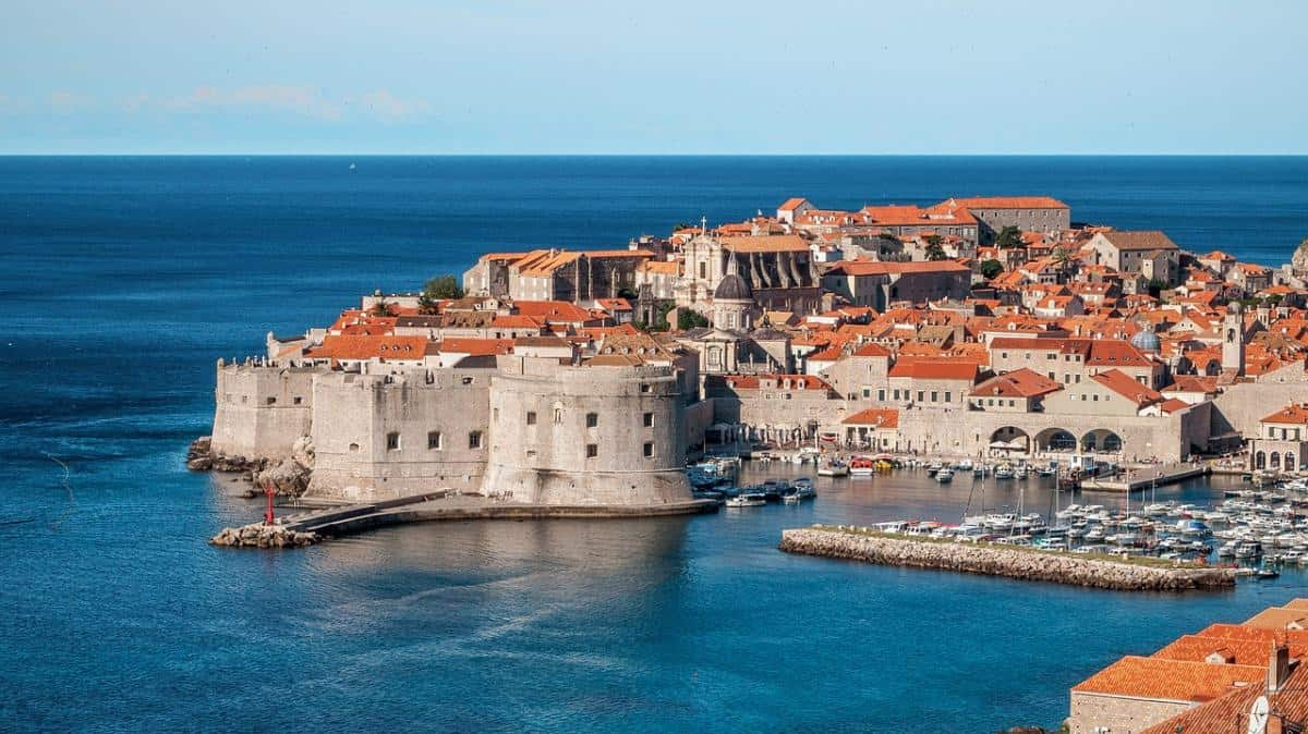 best shore excursions for kids in dubrovnik - kayaking