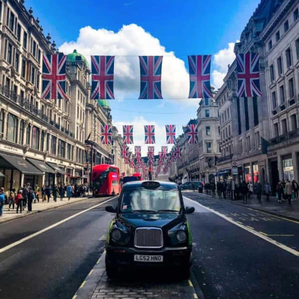 Regent street London taxi photo and what to do in London if you are on a cruise